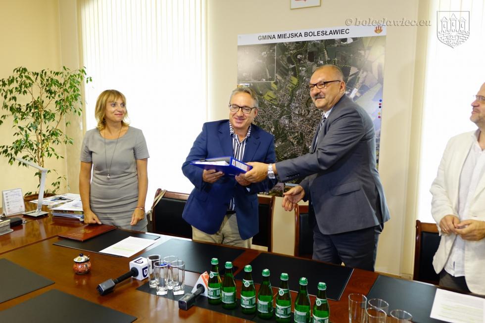 Modernizacja pracowni cyfrowych wdziewięciu bolesławieckich szkołach
