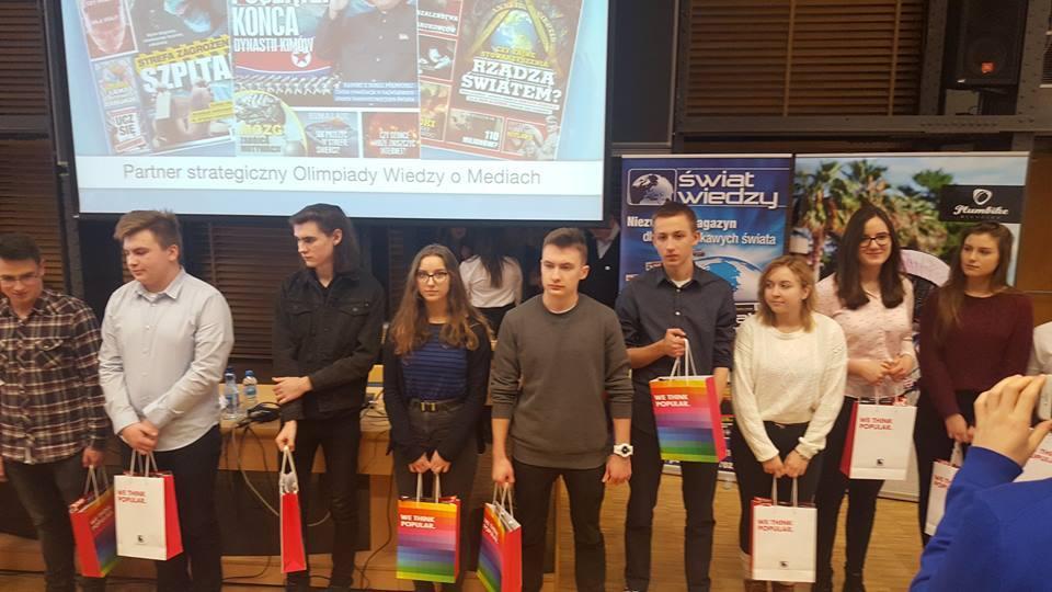 """Uczniowie """"Elektronika"""" wfinałach Olimpiady Wiedzy oMediach wWarszawie"""