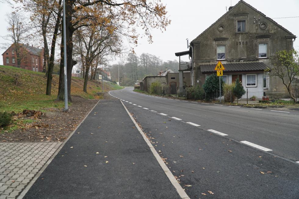 Prawie 2 kilometry drogi wOsłej przebudowane