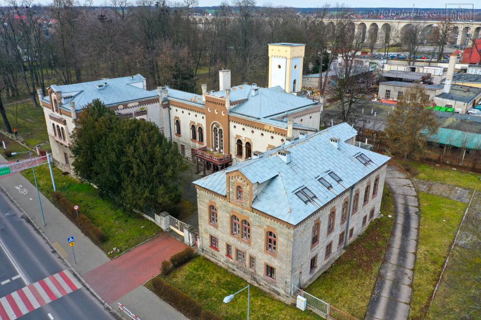Bolesławiec zrekordową dotacją na rewitalizację zabytkowego pałacu